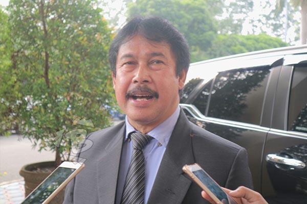 Kepala Disdukcapil Kota Tangerang Erlan Rusnarlan