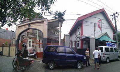 Gereja dan Masjid berdampingan
