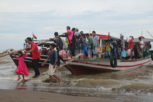 Wisata Pantai Tanjung Pasir