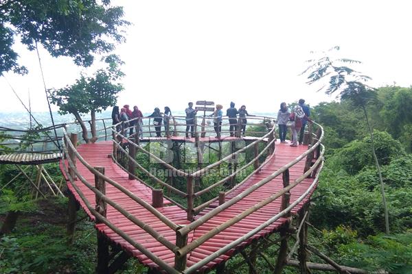 Wisata Gunung Pinang