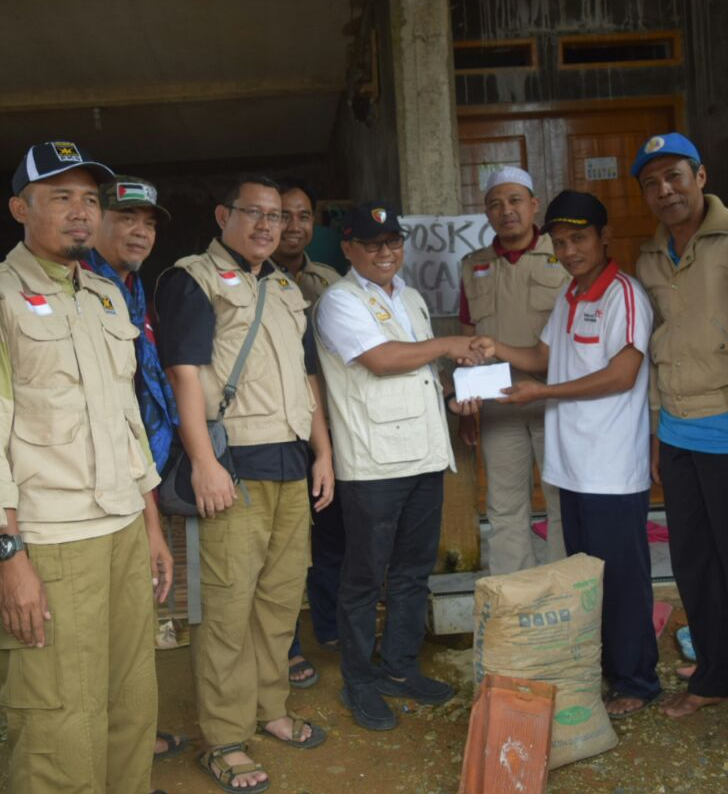 Mayat Dalam Karung: PKS Lebak Sumbang Material Bangunan Untuk Korban Gempa