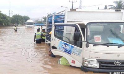 banjir putuskan jalur Cilegon-Anyer