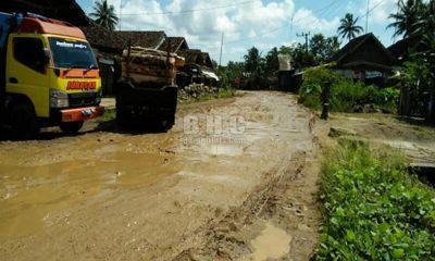 Jalan Rusak di Cibitung Pandeglang