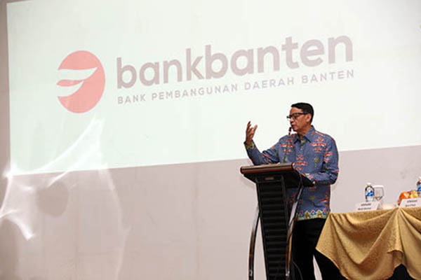 WH Hadiri rapat kerja bank banten