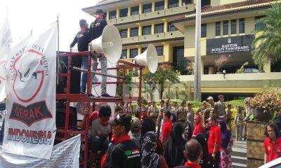 Unjuk Rasa Protes PT Prima Rajuli Sukses