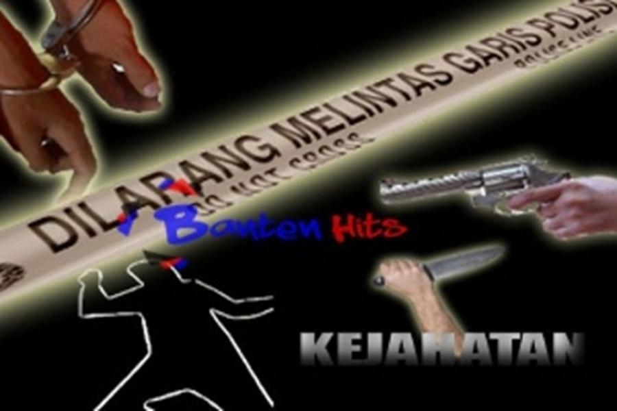 ILUSTRASI DUA PRIA BERSERAGAM POLISI RAMPOK TRUK BERISI BARANG ELETRONIK