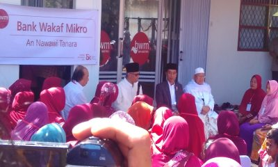 Jokowi saat Dialog dengan Nasabah Bank Wakaf Mikro