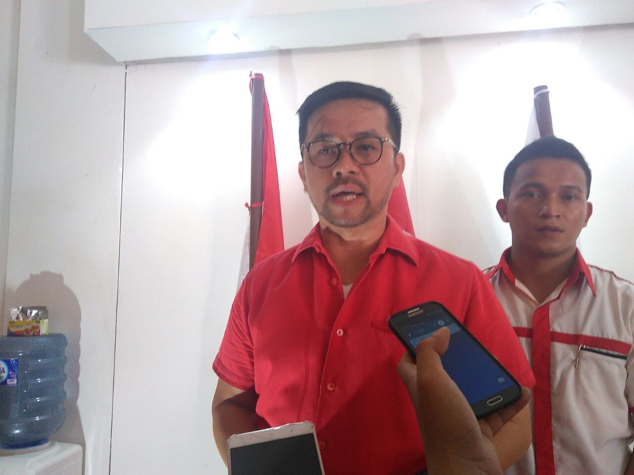 POLITISI PDIP DARI TANGERANG MARINUS GEA SEBUT ISU TENAGA KERJA ASING SENGAJA DIGORENG
