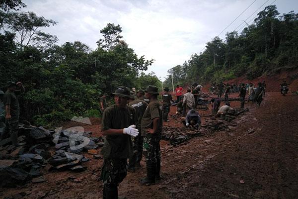 KODIM LEBAK GELAR TMMD ke-101 di Desa Cimanyangray-3