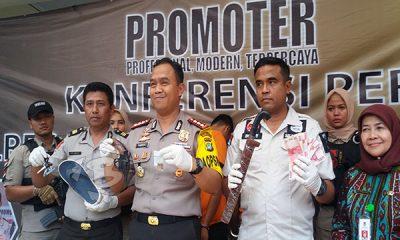 Kapolres Metro Tangerang Kombes Pol. Harry Kurniawan menggelar penangkapan kawanan perampok bendahara Dinas Pendidikan