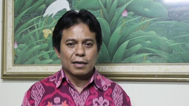 Ketua Yayasan STIE Ahmad Dahlan Mukhaer Pakkana