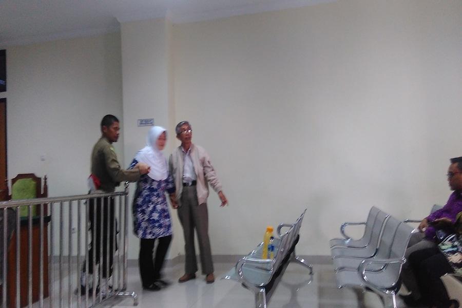 Terdakwa Kasus Korupsi Tunjangan Daerah