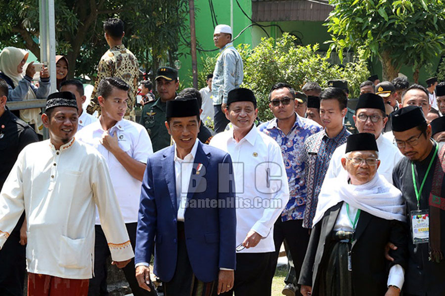 Jokowi Harlah Al Khairiyah Bersama KH Ma'ruf Amin