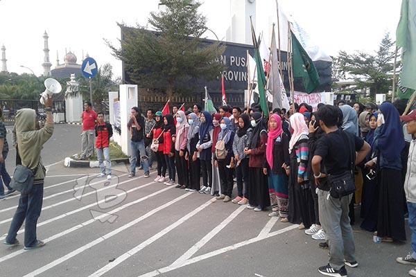 Petinggi Mahasiswa Abaikan Protokol Covid-19 dan Terjebak Kuasa Elit di Banten, BEM UPI Serang dan UIN SMHB Mundur dari Aliansi BEM Serang