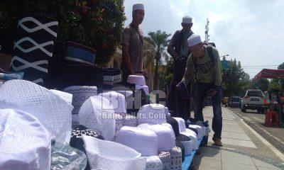 Penjual Peci di Pandeglang