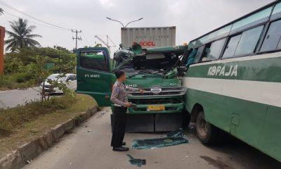 Bus Kopaja Tujuan Anyer Kecelakaan