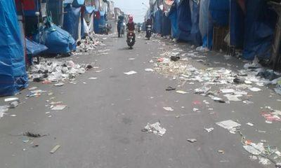 Sampah di Pasar Royal