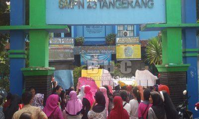 Demo Wali Murid di SMPN 23 Kota Tangerang