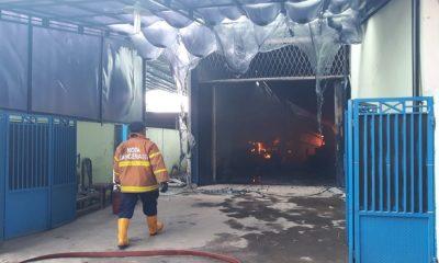 Pabrik Cat di Tangerang Terbakar