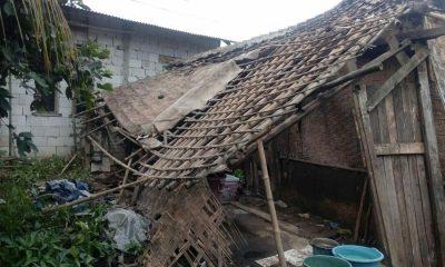 Rumah di Cikande Serang Ambruk