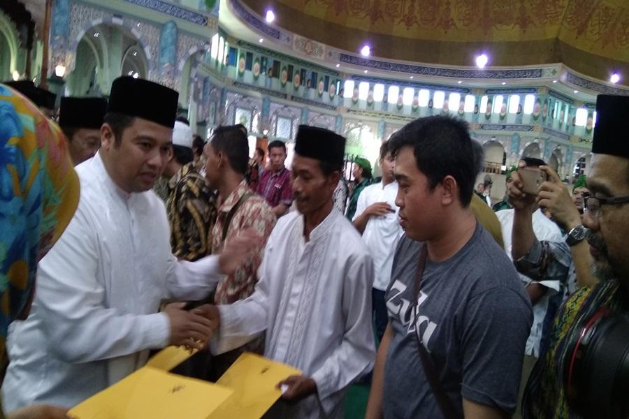 Penyerahan Sertifikat Halal untuk Pelaku Usaha di Kota Tangerang