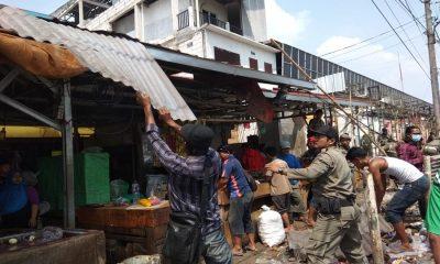 Lapak PKL Pasar Ciruas Ditertibkan