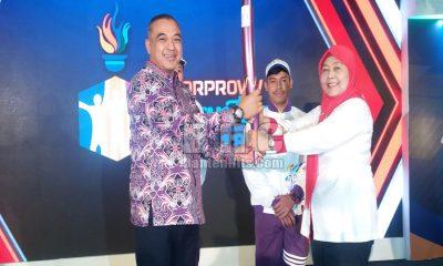 Bupati Tangerang Ahmed Zaki Iskandar Terima Obor Porprov