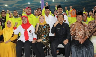 ade sumardi berfoto bersama FKPT Banten