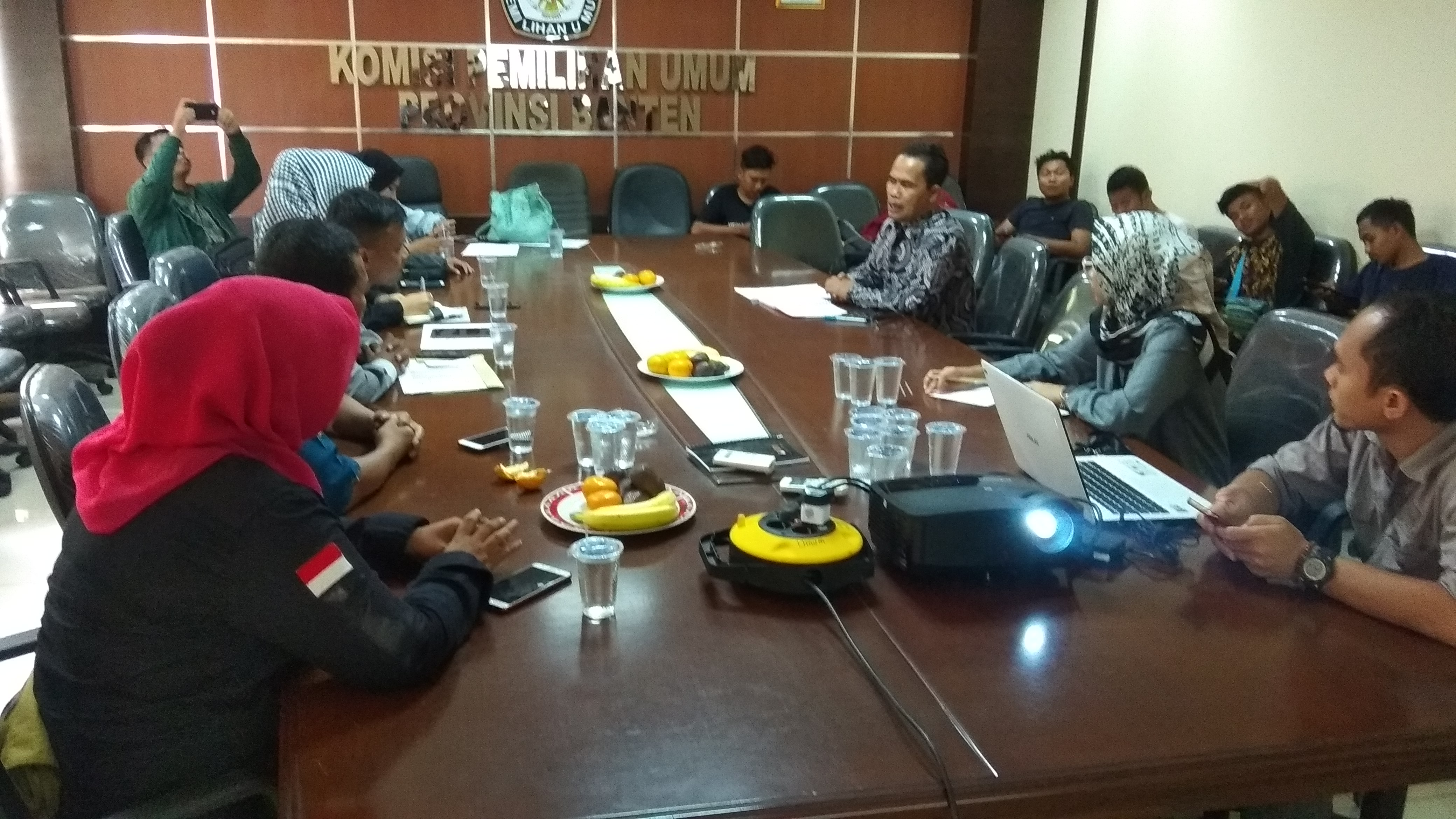 audiensi Perkumpulan Sahabat Difabel (Persada) Banten dengan KPU Banten