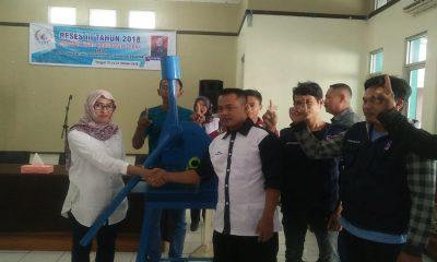 Anggota DPRD Lebak Lita Mulyati Beri Bantuan