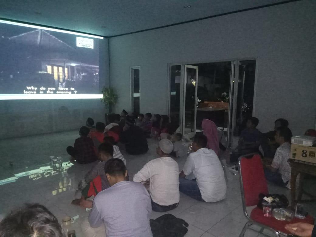 PKS Kabupaten Lebak menggelar nonton bersama film G30S-PKI di Kantor DPD PKS Kabupaten Lebak