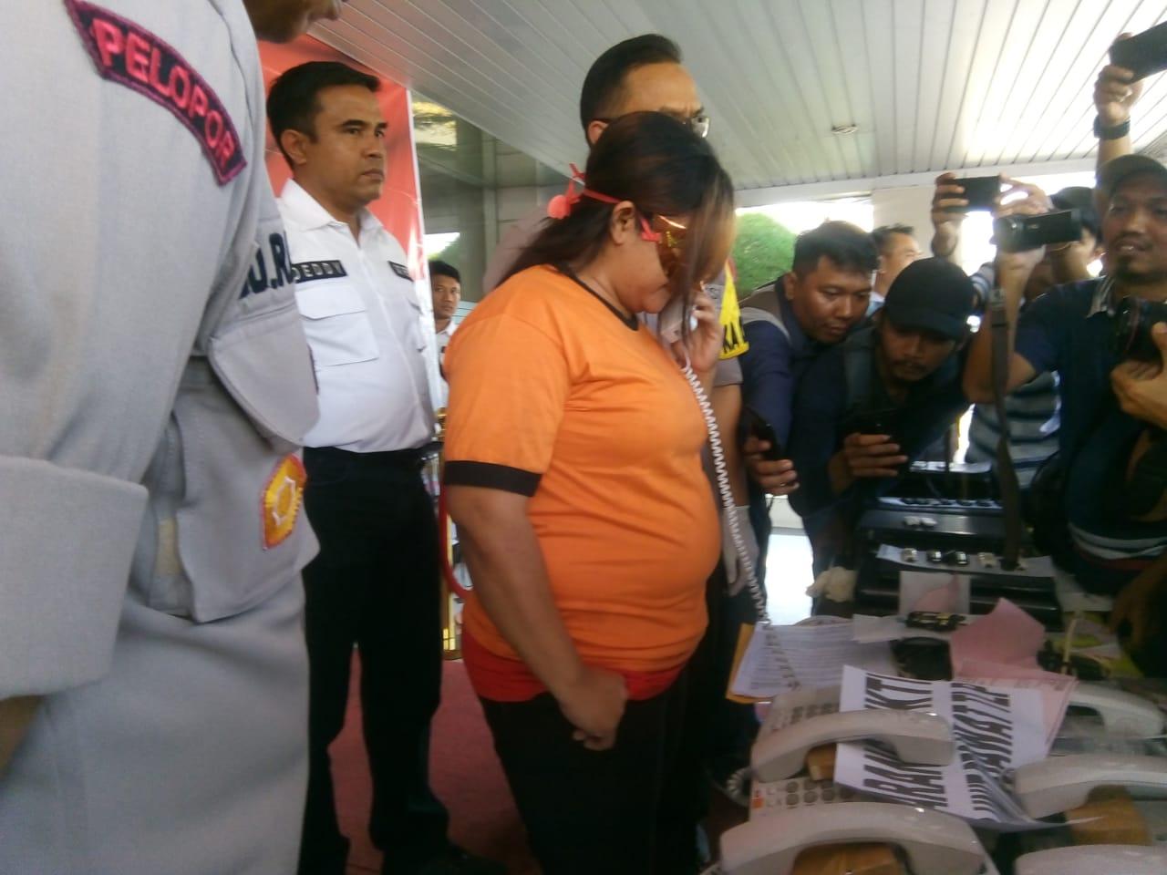 Jajaran Polres Metro Tangerang bongkar sindikat prostitusi online di karawaci