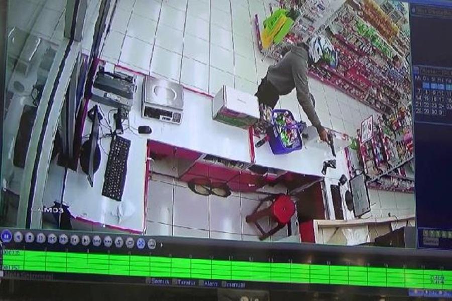 Perampokan Minimarket 212 di Tangerang
