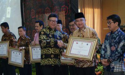 Wagub Banten Terima Penghargaan