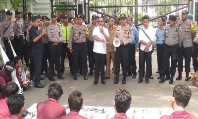 Mahasiswa Untirta yang berunjuk rasa Ditemui Ketua DPRD
