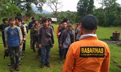 Puluhan Pendaki Melakukan Pencarian Enam Mahasiswa Untirta Hilang di Gunung Pulosari
