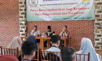 Dialog publik yang dilakukan Aliansi Mahasiswa dan Santri (Amisba) Banten