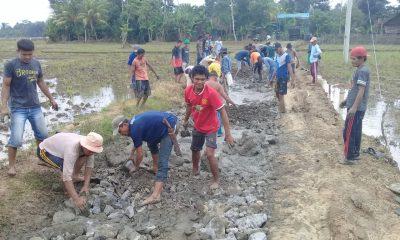 Warga Kecamatan Sindang Resmi Pandeglang Bangun Jalan dari Hasil Patungan