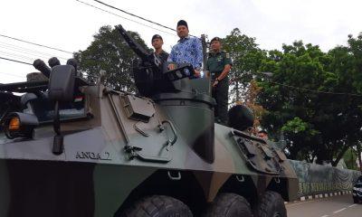 Peringati HUT Korpri ke-47, Wali Kota Tangerang Sapa Anggota Korpri Naik Panser