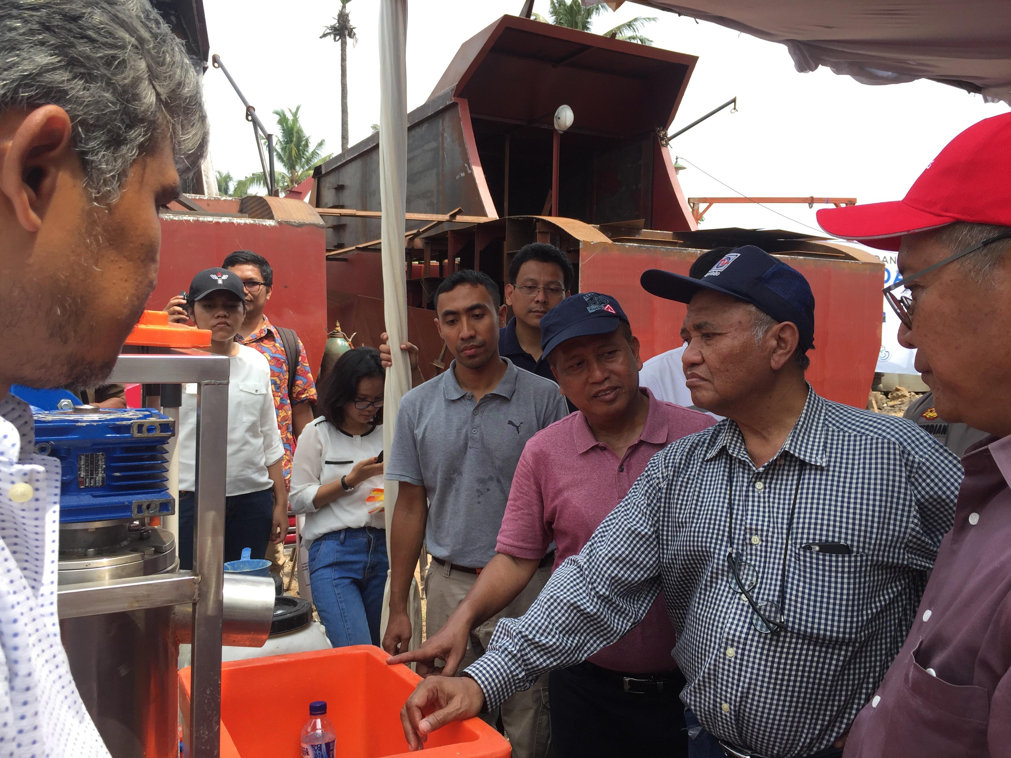 Menristekdikti Uji Coba Kapal Pelat Datar yang Diproduksi di Pakuhaji Tangerang