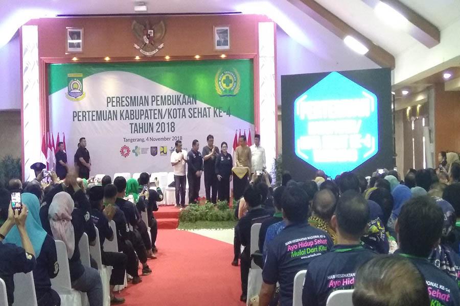 Jokowi saat Peresmian Pembukaan Pertemuan Kabupaten-Kota Sehat Tahun 2018.jpg