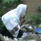 Warga Desa Cibadak Pandeglang BAB di Kebun