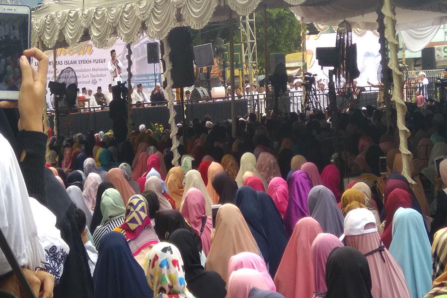 UAS Hadiri Tabligh Akbar di UNIS Tangerang