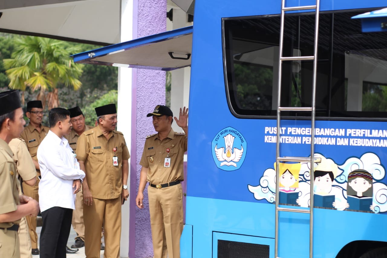 Kabupaten Tangerang Dapat Bantuan Mobil Bioskop Keliling dari Kemendikbud