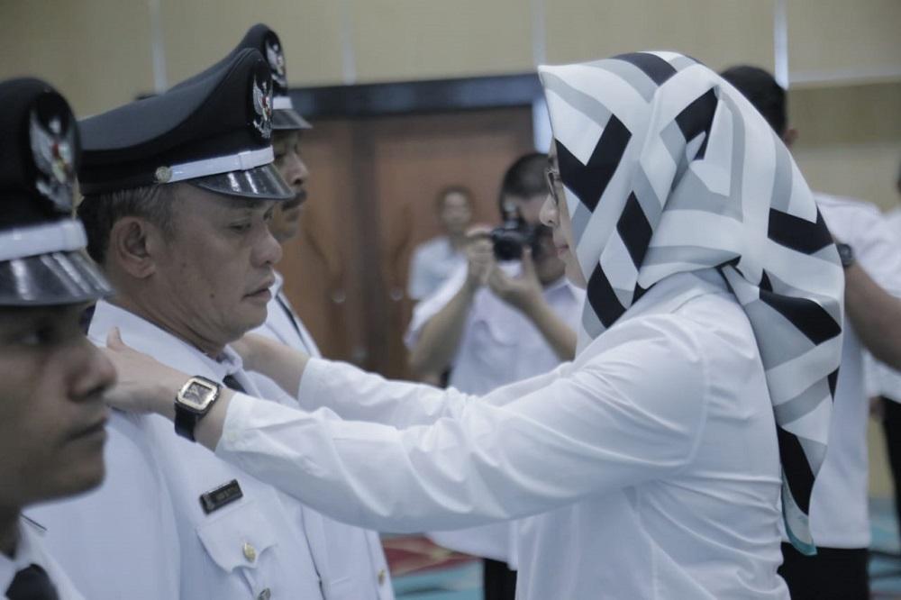 Wali Kota Tangsel Airin Rachmi Diany melantik lima lurah