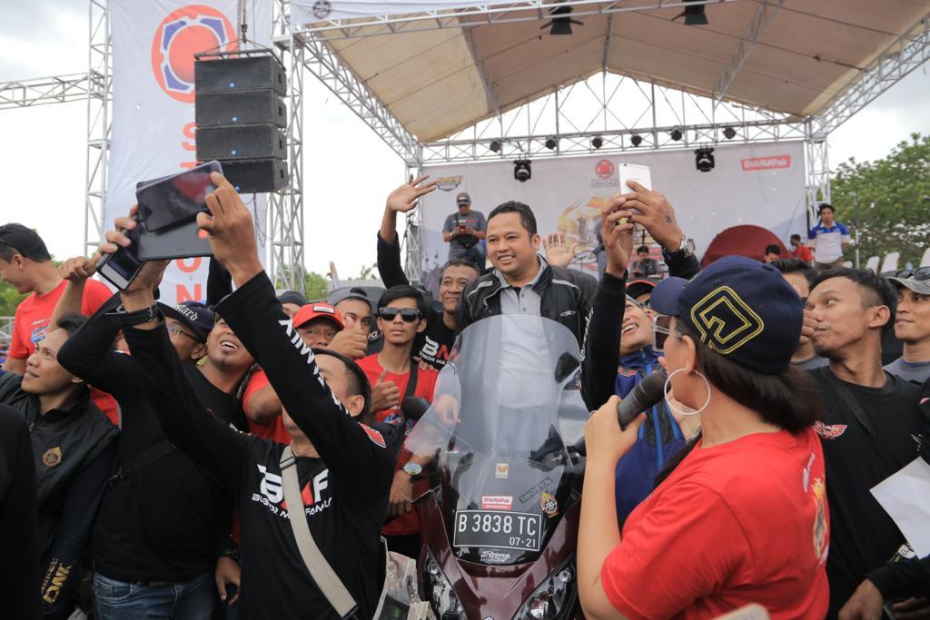 Bergaya Bikers, Wali Kota Tangerang Hadiri HUT Yamaha NMAX Club Indonesia Tangerang Chapter