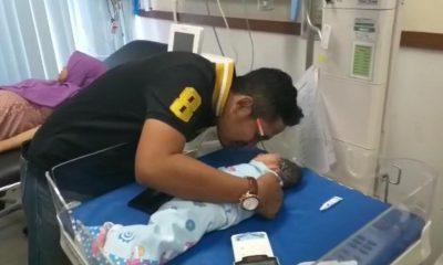 Satpol PP Evakuasi Pengidap Gangguan Jiwa yang melahirkan di Emperan Ruko Graha Cikokol, Bayinya Langsung Diazani