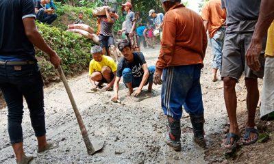 Jalan Penghubung Antar-Desa Rusak Tak Pernah Diperbaiki, Warga Kampung Hambur Pilih Gotong Royong