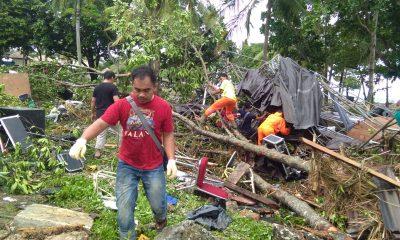 Proses evakuasi korban tewas tsunami di Tanjung Lesung