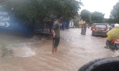 Sungai Ciluwung Meluap, Kemacetan Panjang Menyergap Jalan Raya Serang-Pandeglang